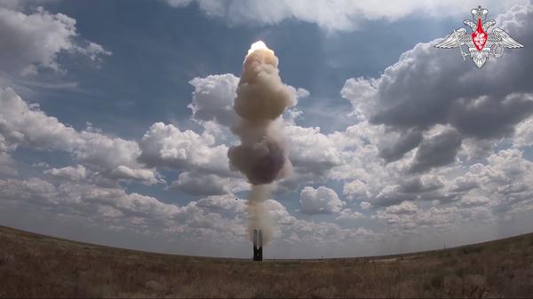 Испытания новейшей зенитной ракетной системы С-500 на полигоне Капустин Яр  - Sputnik Polska
