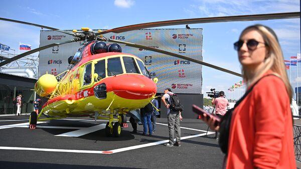 Вертолет Ми-8АМТШ санитарной авиации на МАКС-2021 - Sputnik Polska