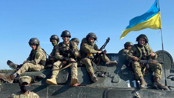 Украинские военные во время учений  - Sputnik Polska