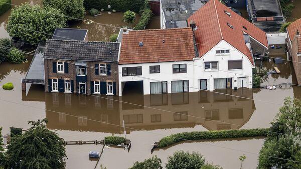 наводнения на юге-востоке Нидерландов в Валкенбурге - Sputnik Polska