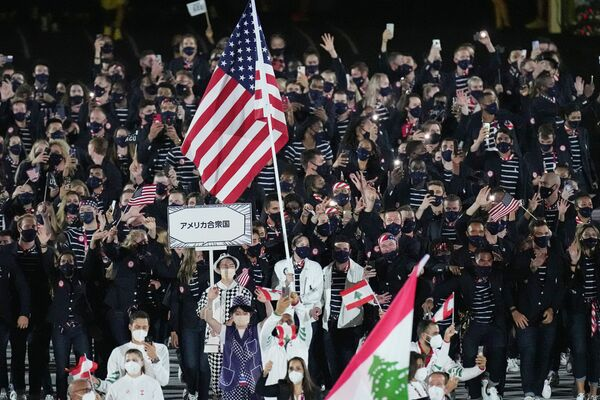 Sportowcy ze Stanów Zjednoczonych podczas ceremonii otwarcia na Stadionie Olimpijskim na Letnich Igrzyskach Olimpijskich 2020. - Sputnik Polska
