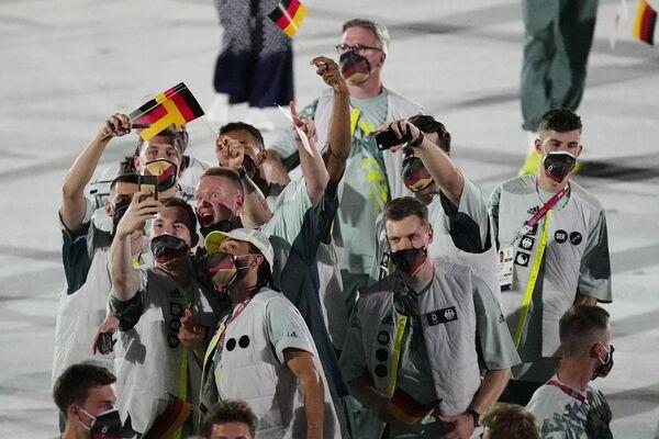 Sportowcy z Niemiec podczas ceremonii otwarcia na Stadionie Olimpijskim na Letnich Igrzyskach Olimpijskich 2020. - Sputnik Polska
