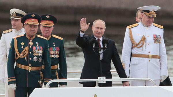 Президент Путин на Главном военно-морском параде  в Санкт-Петербурге - Sputnik Polska
