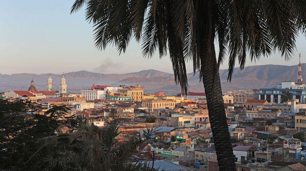 Вид на город Сантьяго-де-Куба со смотровой площадки - Sputnik Polska