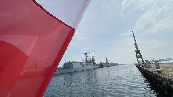 Судно Miecznik - Sputnik Polska