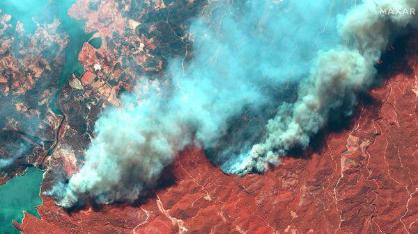 Снимок со спутника природных пожаров в Турции  - Sputnik Polska