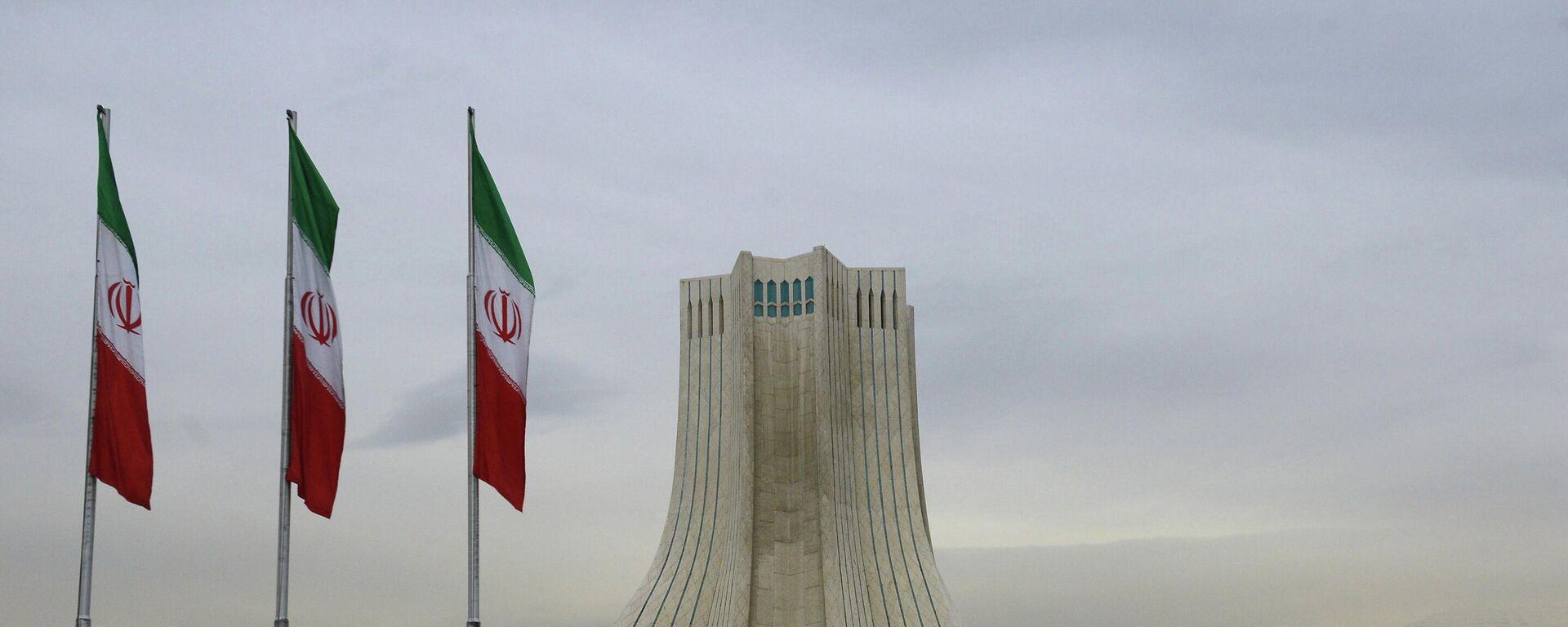 Wieża Azadi, zbudowana na placu o tej samej nazwie w Teheranie. - Sputnik Polska, 1920, 03.08.2021