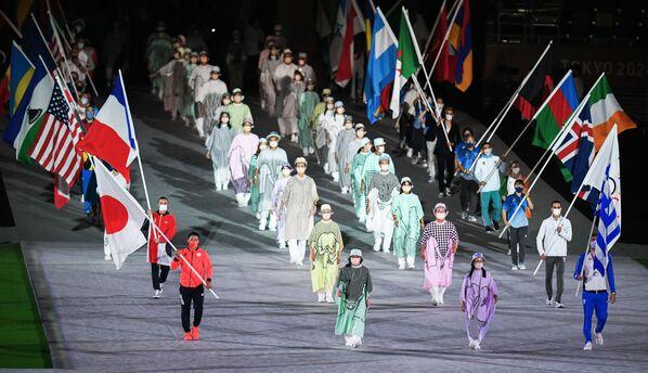 Parada sportowców podczas ceremonii zamknięcia XXXII Letnich Igrzysk Olimpijskich w Tokio - Sputnik Polska