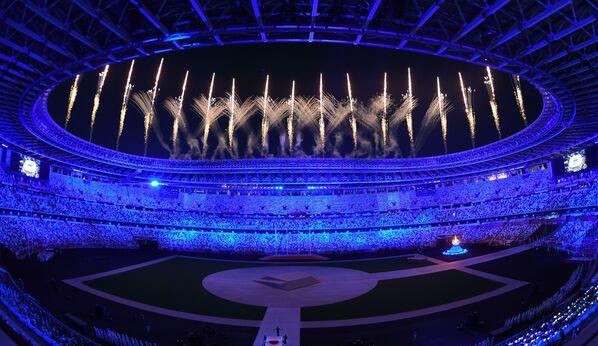 Fajerwerki na ceremonii zakończenia XXXII Letnich Igrzysk Olimpijskich w Tokio na Narodowym Stadionie Olimpijskim - Sputnik Polska