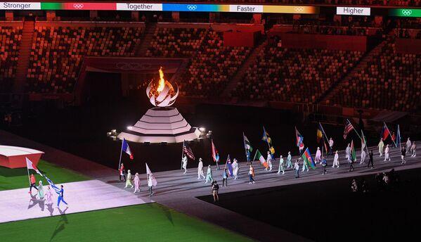 Parada sportowców podczas ceremonii zamknięcia XXXII Letnich Igrzysk Olimpijskich w Tokio na Narodowym Stadionie Olimpijskim - Sputnik Polska