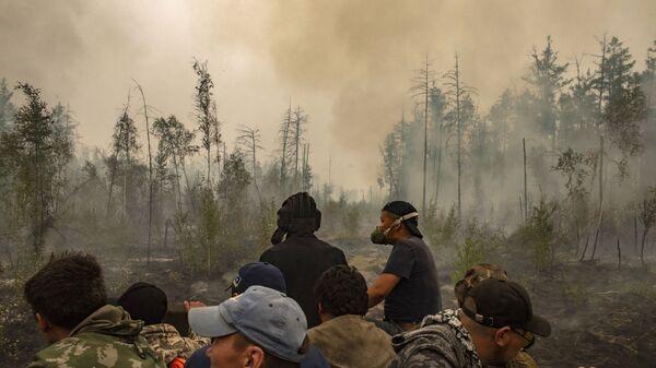 Тушение лесных пожаров в Якутии - Sputnik Polska