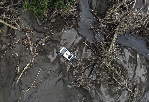 Skutki powodzi i lawin błotnych w północnej Turcji, 13 sierpnia 2021 roku. - Sputnik Polska
