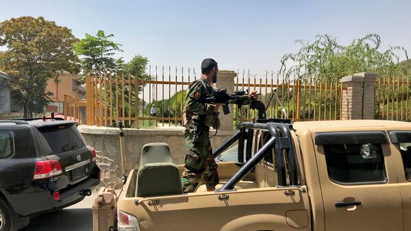Афганский солдат на улице Кабула  - Sputnik Polska