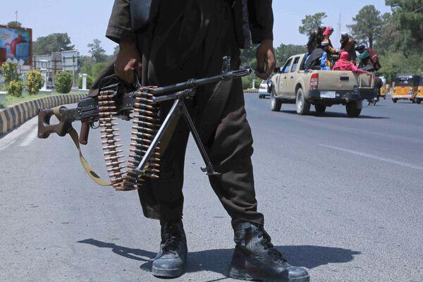 Bojownik Talibanu* na ulicy w afgańskim mieście Herat - Sputnik Polska