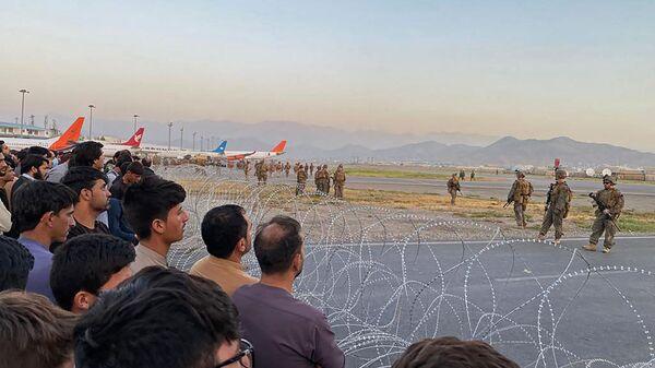 Американские солдаты в аэропорту Кабула  - Sputnik Polska