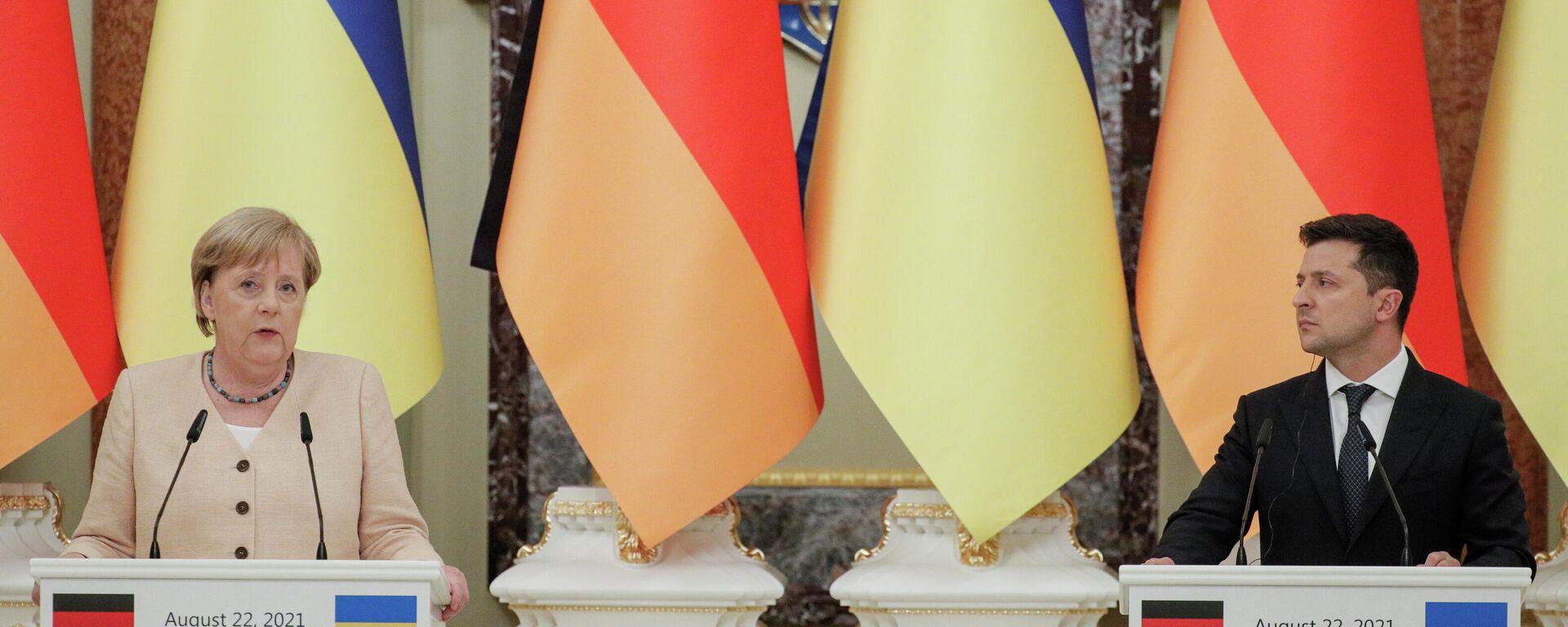 Angela Merkel i Wołodymyr Zełenski - Sputnik Polska, 1920, 22.08.2021