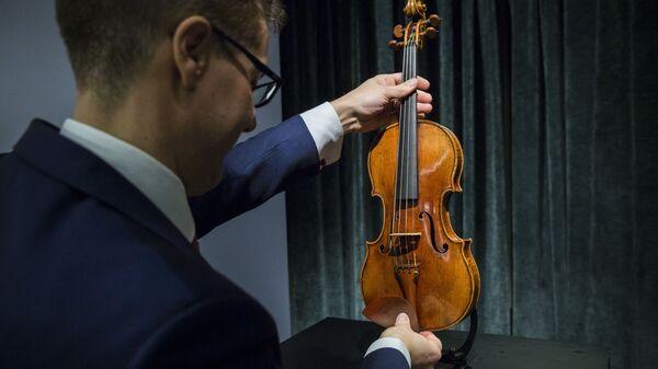 Скрипка Антонио Страдивари на аукционе Sotheby's - Sputnik Polska