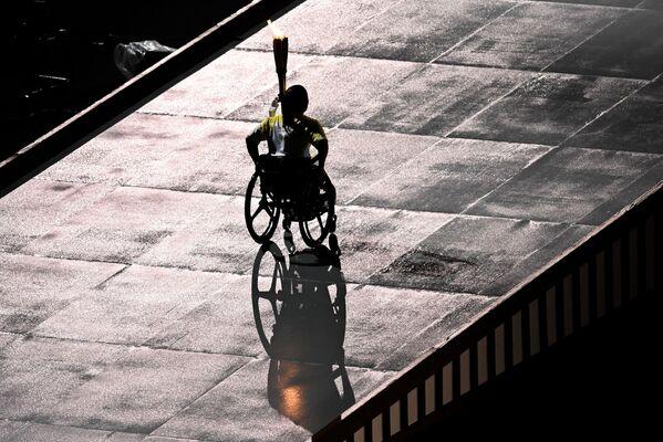 Paraolimpijska sztafeta na ceremonii otwarcia XVI letnich igrzysk paraolimpijskich - Sputnik Polska