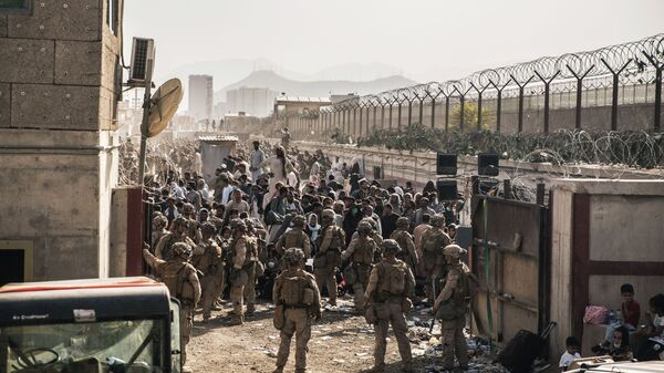 Американские военные в аэропорту Кабула  - Sputnik Polska