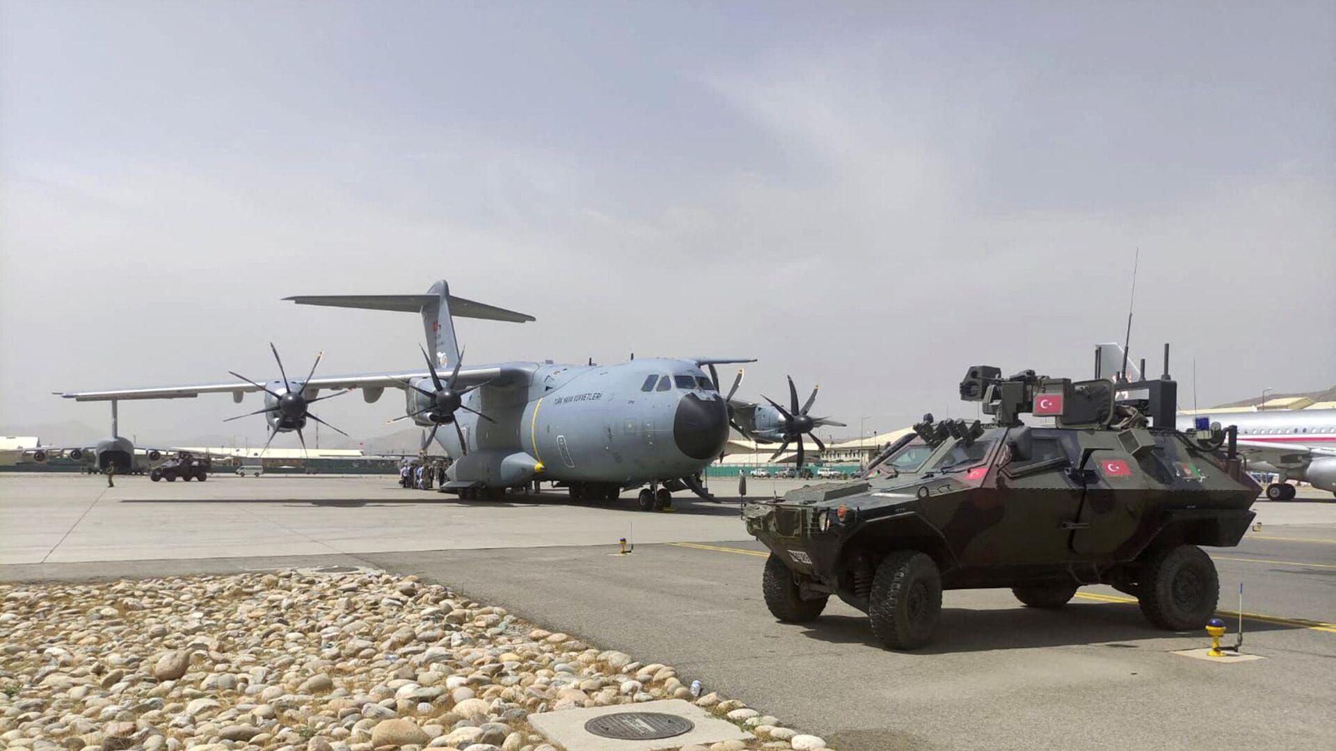 Samolot tureckich sił powietrznych na lotnisku w Kabulu, 18.08.2021 - Sputnik Polska, 1920, 28.08.2021