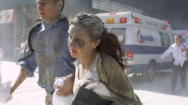 Люди убегают во время теракта в Нью-Йорке  - Sputnik Polska