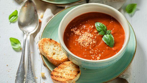 Томатный суп с пармезаном - Sputnik Polska
