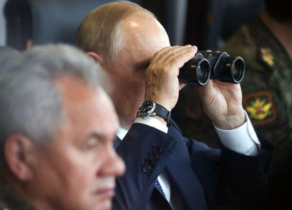 Aktywną fazę ćwiczeń na poligonie Mulino w obwodzie niżnonowogrodzkim obserwował 13 września prezydent Władimir Putin. - Sputnik Polska