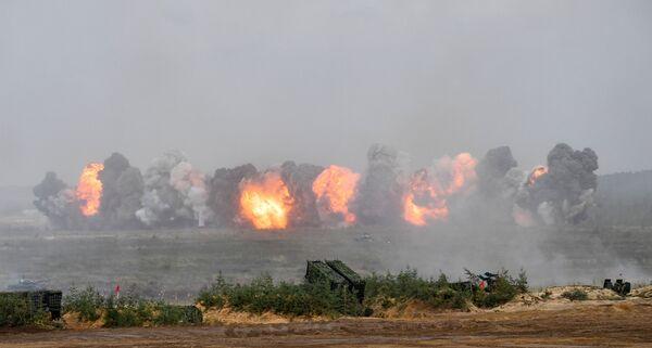 Formacje wojskowe odparły natarcie, wypracowały działania w zakresie obrony manewrowej, zadały cios ogniowy i pokonały zgrupowanie warunkowego wroga. - Sputnik Polska