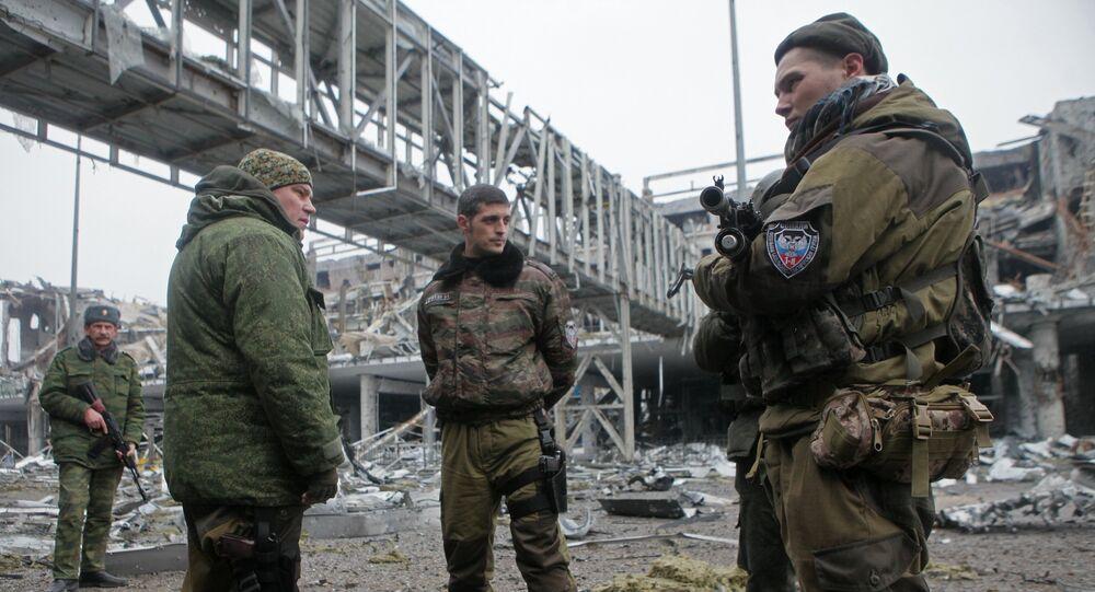 Opołczeńcy DRL na lotnisku w Doniecku