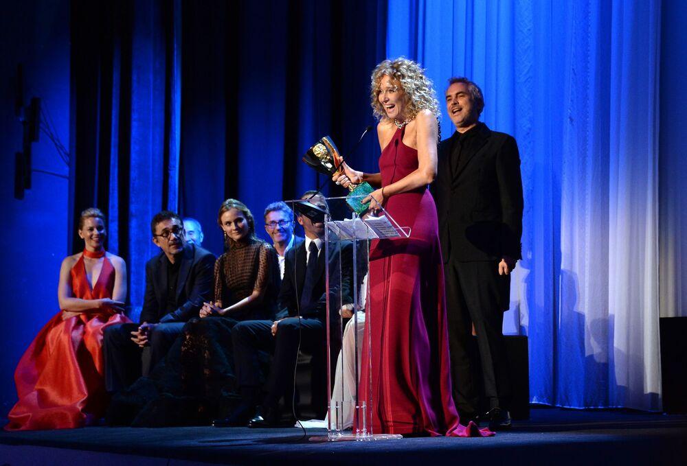 Włoska aktorka Valeria Golino otrzymała nagrodę Volpi Cup na ceremonii 72. Międzynarodowego Festiwalu Filmowego w Wenecji