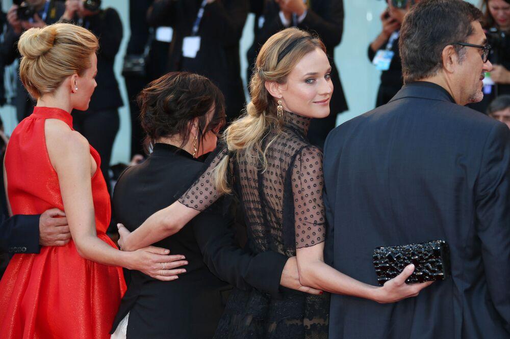Aktorka Diane Kruger - członek jury festiwalu - podczas wynagrodzenia w Wenecji