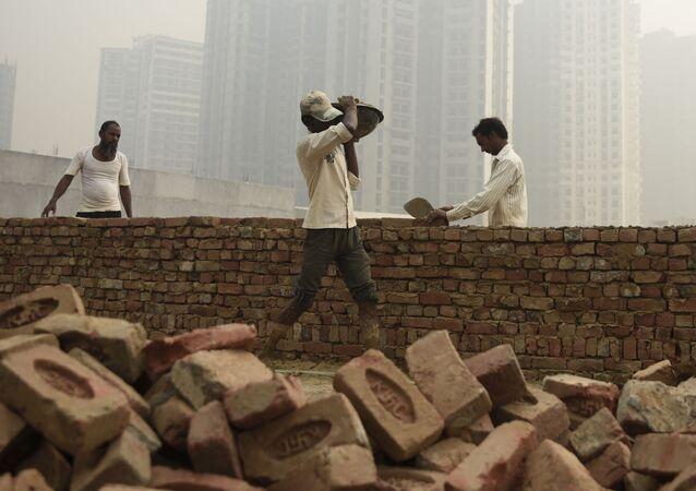Budowniczy w czasie pracy w Delhi
