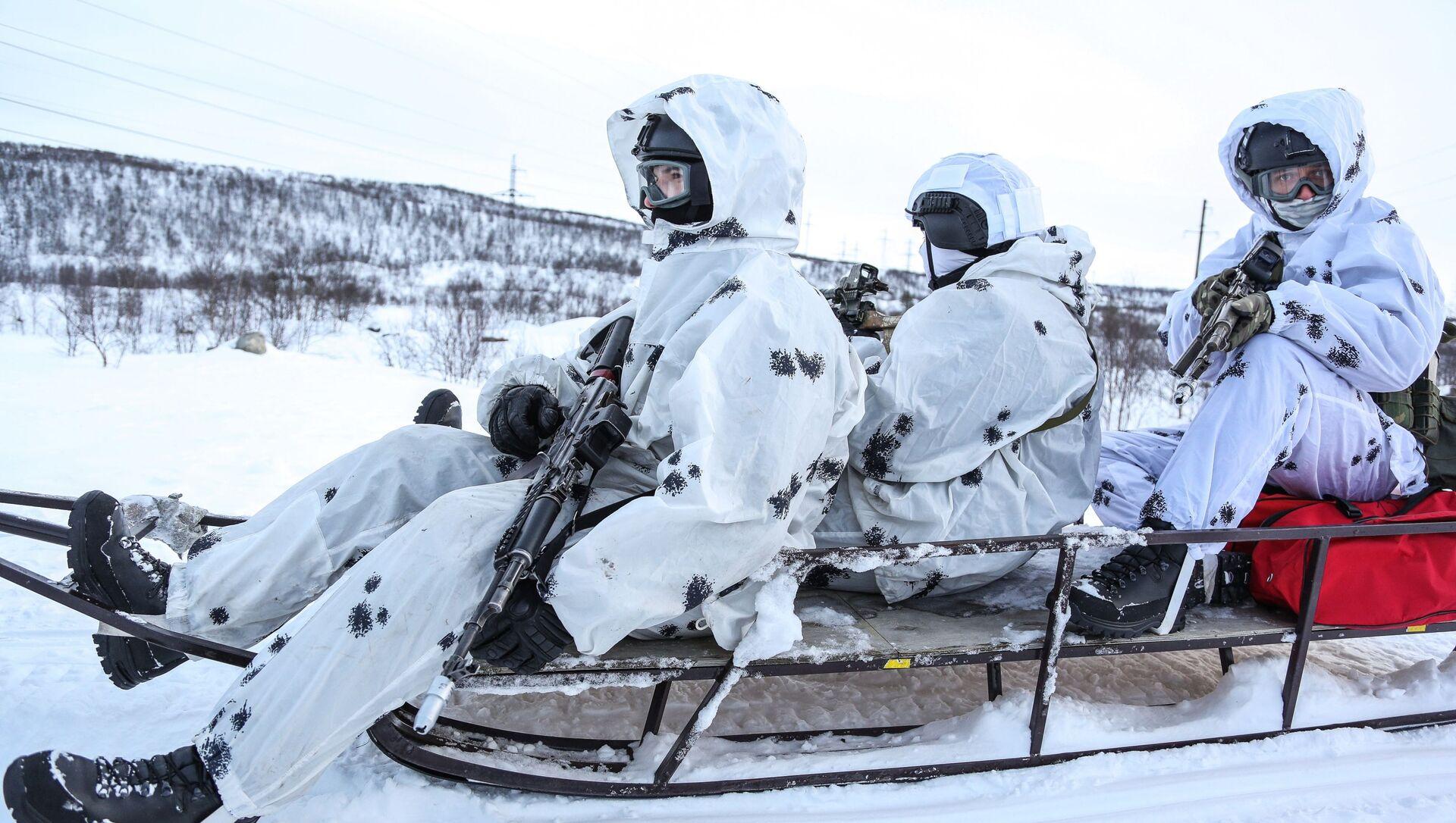 Rosgwardia zakończyła przygotowywanie personelu przed ćwiczeniami w Arktyce - Sputnik Polska, 1920, 18.05.2021