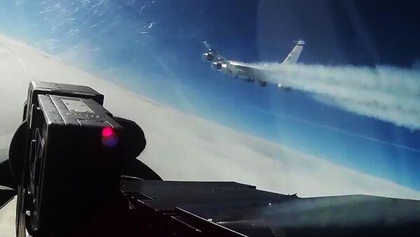 Samolot rozpoznawczy USA RC-135 nad wodami neutralnymi Morza Bałtyckiego - Sputnik Polska