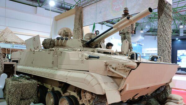 BMP-3M (Rosja), który jest w służbie armii Kuwejtu, na międzynarodowej wystawie broni i sprzętu wojskowego Gulf Defence & Aerospace-2017 w Kuwejcie - Sputnik Polska