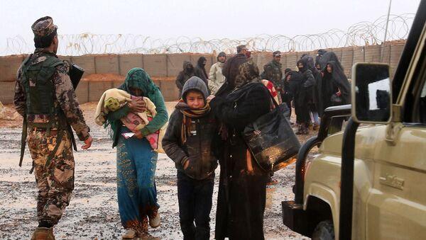 Obóz dla uchodźców Rukban na syryjsko-jordańskiej granicy - Sputnik Polska