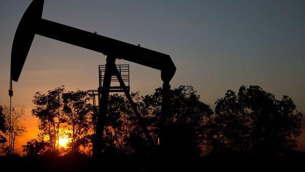 Нефтяная скважина на месторождении возле Эль Тигре, Венесуэла - Sputnik Polska
