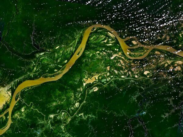 Rzeka Amazonka widziana z kosmosu - Sputnik Polska