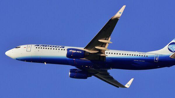 """Samolot Boeing 737-800 linii lotniczej """"ALROSA"""". Zdjęcie archiwalne - Sputnik Polska"""