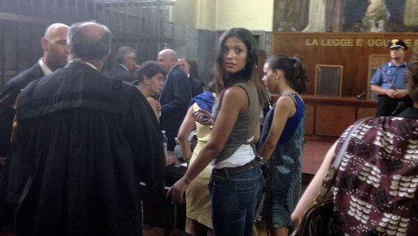 Marokańska tancerka Iman Fadil, świadek w sprawie przeciwko byłemu premierowi Włoch Silvio Berlusconiemu - Sputnik Polska