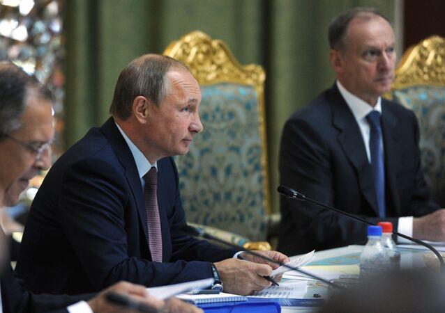 Prezydent Rosji Władimir Putin na szczycie OUBZ w Duszanbe
