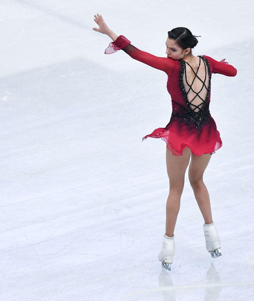 Rosyjska łyżwiarka figurowa Jewgienija Miedwiediewa występuje w krótkim programie solowym kobiet na Mistrzostwach Świata w łyżwiarstwie figurowym w Saitame.
