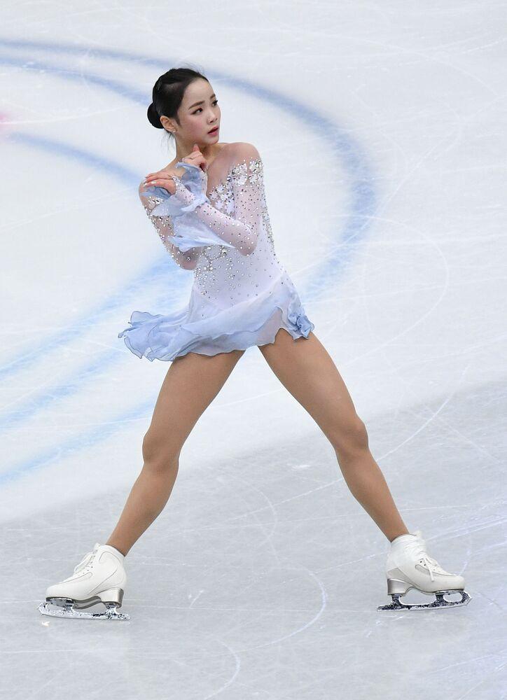 Łyżwiarka figurowa Lim Un Su z Korei Południowej występuje w krótkim programie solowym kobiet na Mistrzostwach Świata w łyżwiarstwie figurowym w Saitame.