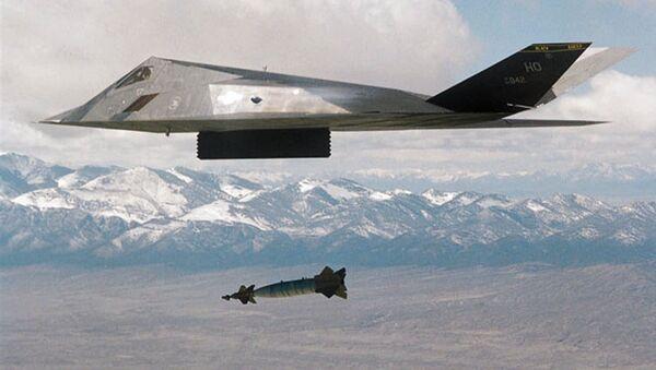 Amerykański samolot F-177 podczas operacji w Jugosławii - Sputnik Polska