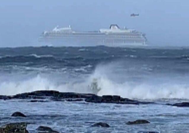 Wycieczkowiec Viking Sky: awaria przy zachodnim wybrzeżu Norwegii.