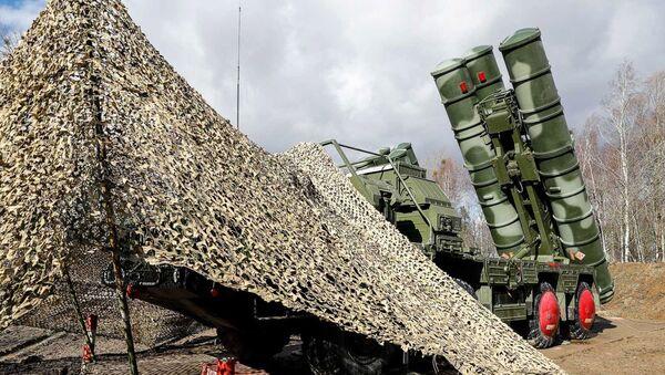 """Najnowsze systemy rakiet przeciwlotniczych S-400 """"Triumph"""", które weszły do służby w jednostce obrony powietrznej Floty Bałtyckiej w Obwodzie Kaliningradzkim - Sputnik Polska"""