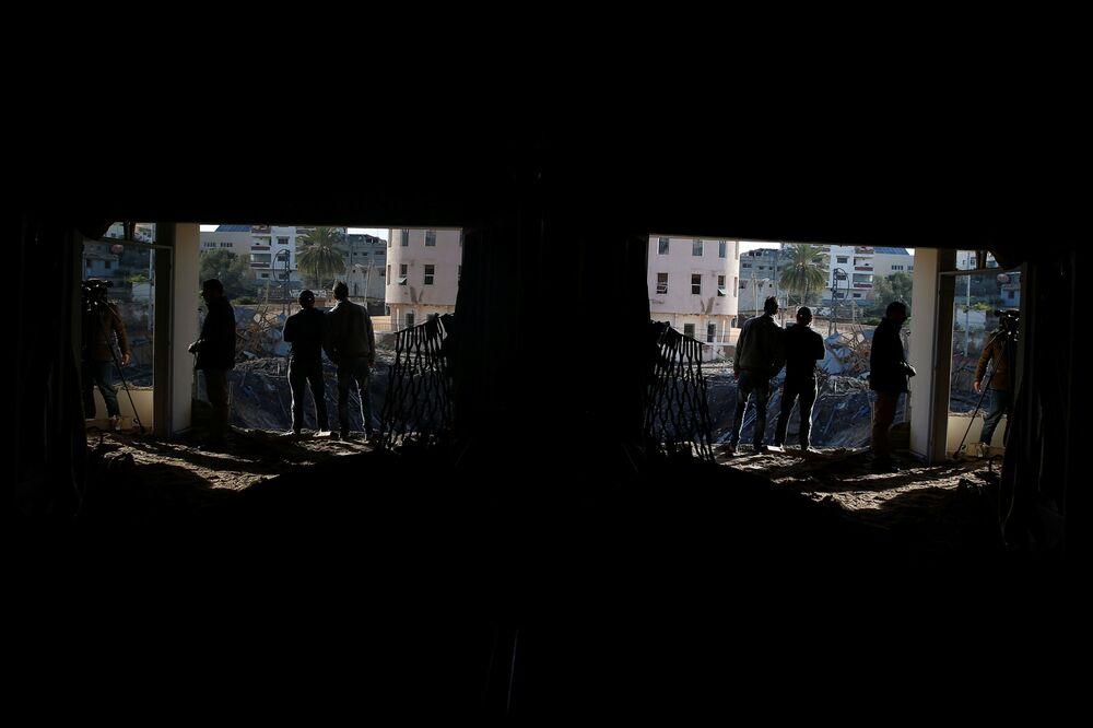 Zburzony podczas izraelskiego ataku budynek Hamasu w Sterfie Gazy