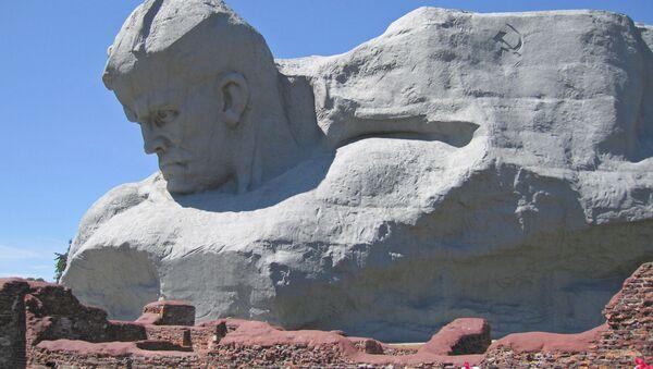 Pomnik w Brześciu, Białoruś - Sputnik Polska