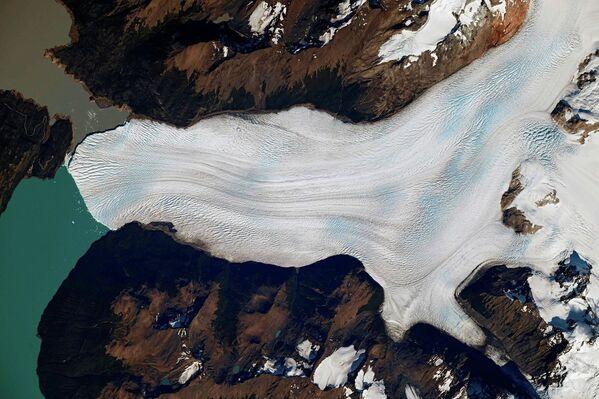 Lodowiec Perito Moreno w Parku Narodowym Los Glaciares w południowo-zachodniej prowincji Santa Cruz w Argentynie - Sputnik Polska
