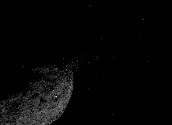 Asteroid Bennu. Zdjęcie zrobione przez sondę kosmiczną OSIRIS-REx - Sputnik Polska